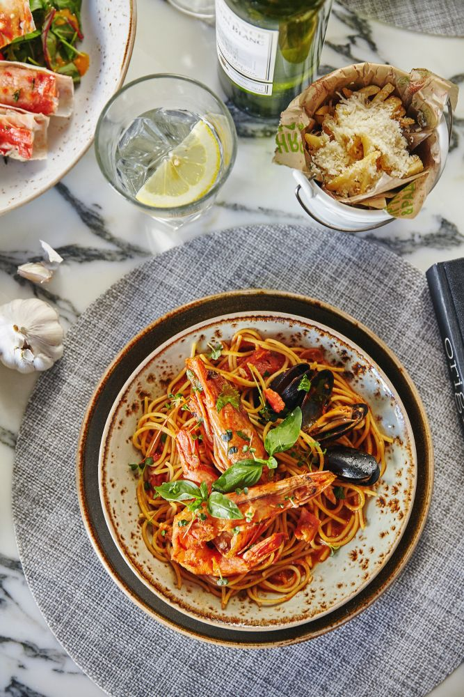 Паста с морепродуктами #food #seafood #italy #pizza #pasta #crab #table #marble #ginzaproject #пряностинабелинского