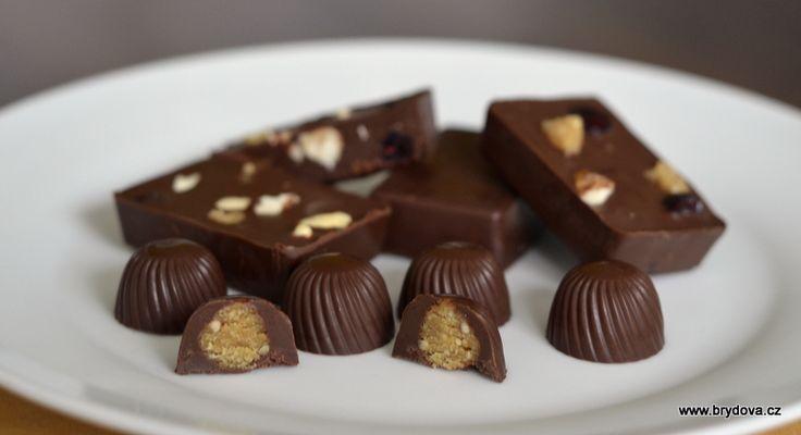 K výrobě skvělé domácí čokolády bez laktózy a bílého cukru vám budou stačit jen tři suroviny – hořká čokoláda na vaření (nejlépe i bez palmového oleje), kokosový olej a datlový... Celý článek