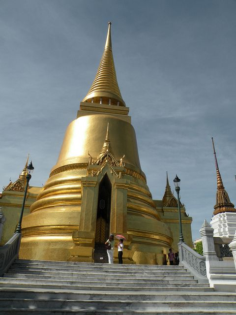 Phra Sri Rattana Chedi - Wat Phra Kaew (Temple of the Emerald Buddha - Grand Palace Complex), Bangkok
