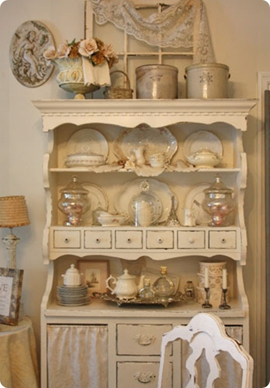 2753 best cottage shabby chic and white decor images on pinterest dollhouse miniatures. Black Bedroom Furniture Sets. Home Design Ideas