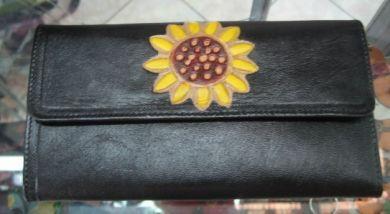 Große schwarze #Geldtasche mit vielen Fächern. Blumenmotiv, aus #Peru