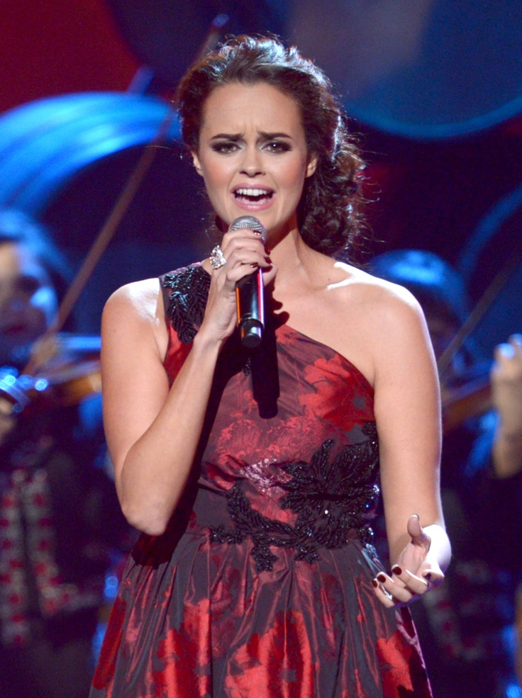 Shaila Durcal performs onstage during the XIII Annual Latin GRAMMY Awards