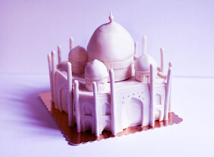 Pink Taj Mahal cake by Pâtisserie Chez Bogato 7 rue Liancourt, Paris 14e. Ouvert du mardi au samedi de 10h à 19h. Tel. 01 40 47 03 51 Cake Design Birhtday cake Gâteau d'anniversaire