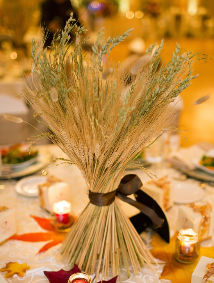 a great (and alternative to flowers) idea for your fall wedding centerpiece!