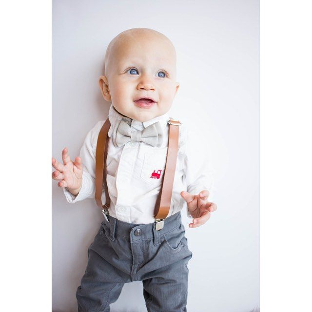 Good morning sunshine! Waking up to these blue eyes 😍 Suspender and bow tie sets for $20 @sweetnswag and perfect for dressing up your little guy! . . #sweetnswag#christmas #suspender #bowtie #brandrep #allboy #dapper #swag #ootd #alldressedup #boymom #momofboys #babybrandrep #ootd #babyootd
