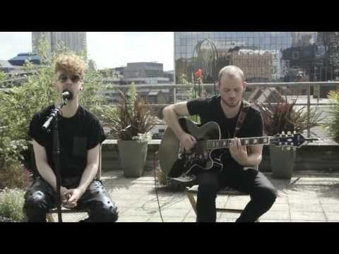 ▶ Chris Brown's 'Fine China' and Usher's 'Bad Girl' (Daley's mashup of for CJ's Soundcheck) - YouTube