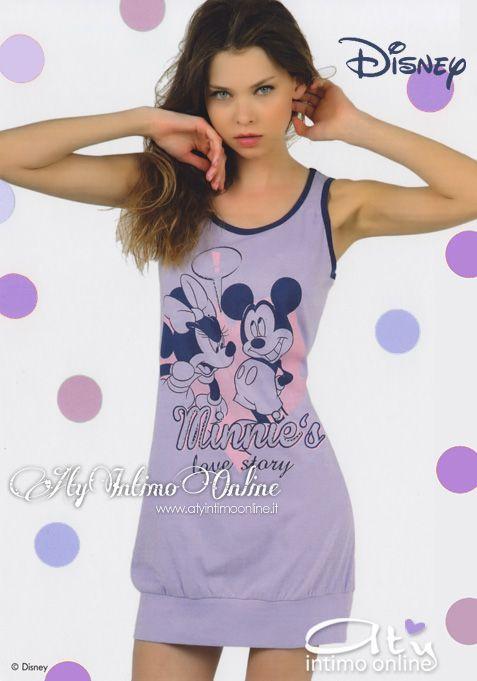 Camicia da notte. Disney. Tutta l'allegria e la spensieratezza Disney per la nuova collezione Pigiami e camicie da notte collezione Primavera/estate 2015. Protagonisti indiscussi sono Minnie ed ovviamente Topolino. Lo sapevate che il nome originale di Minni è Minerva? Per l'esattezza Minerva Mouse. #disney #camiciadanotte #camiciedanotte http://www.atyintimoonline.it/pigiami-donna/3552-camicia-da-notte-donna-disney-wd20429.html