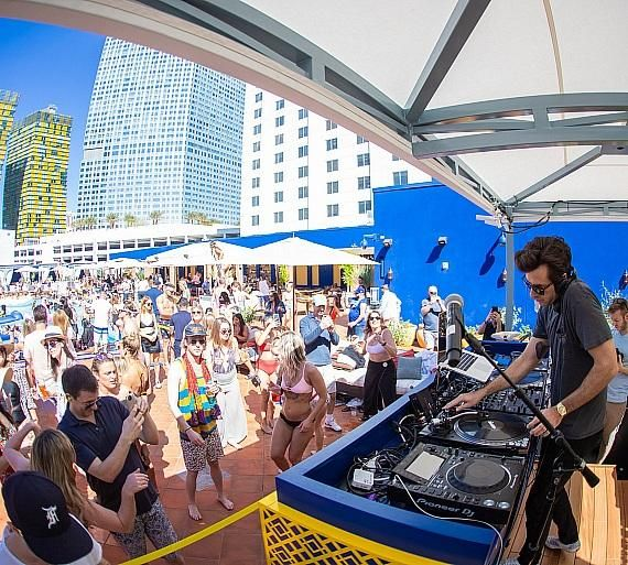 Mark Ronson Nina Agdal Jack Brinkley Cook Kayla Ewell And More Help Launch Jemaa The Nomad Pool Party In Las Vegas Mark Ronson Grammy Party Hot Pool Party