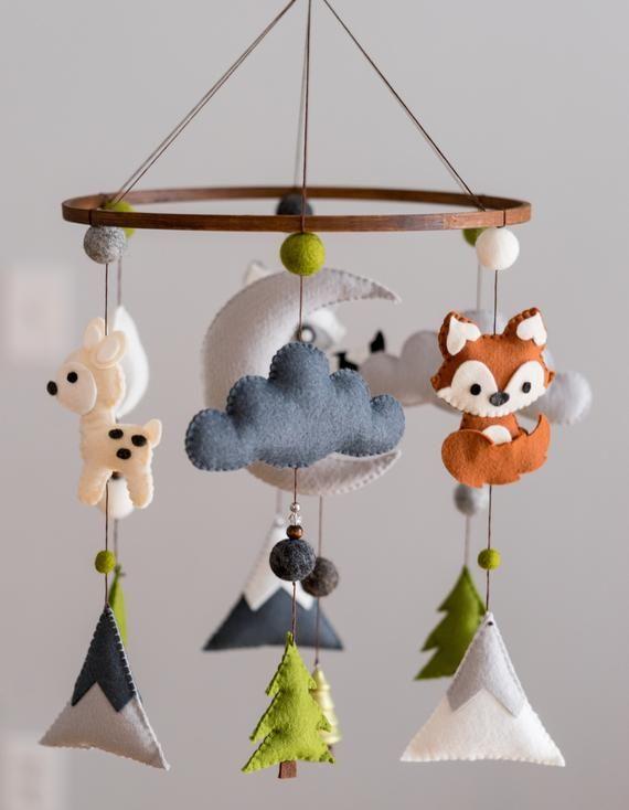 Forest Mobile / Forest Animal Nursery / Felt Mobile / Mountain Nursery / Felt Moon / Nursery Decor / Scandinavian Decor / Felt Cloud