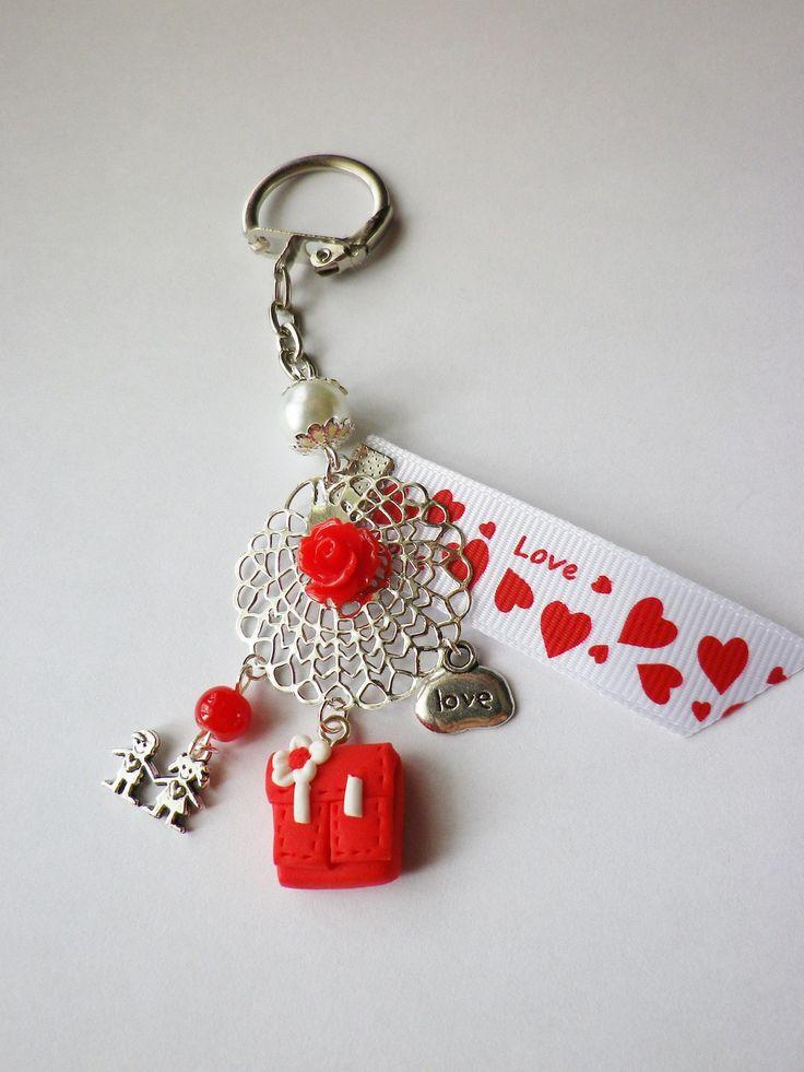 porte clés maitresse cartable rouge blanc love fimo cadeau atsem : Porte clés par fimo-relie