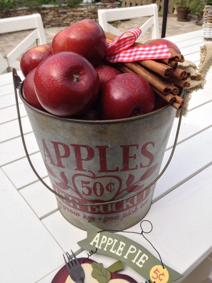 Apples By Danièlle D.