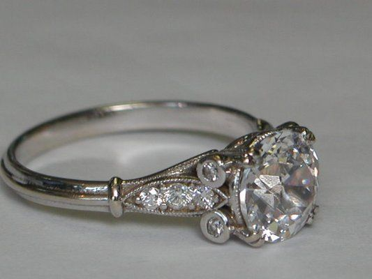 Gems & Crystals Unlimited - Edwardian engagement ring set with diamonds in 18K white gold. - Atlanta, GA, United States