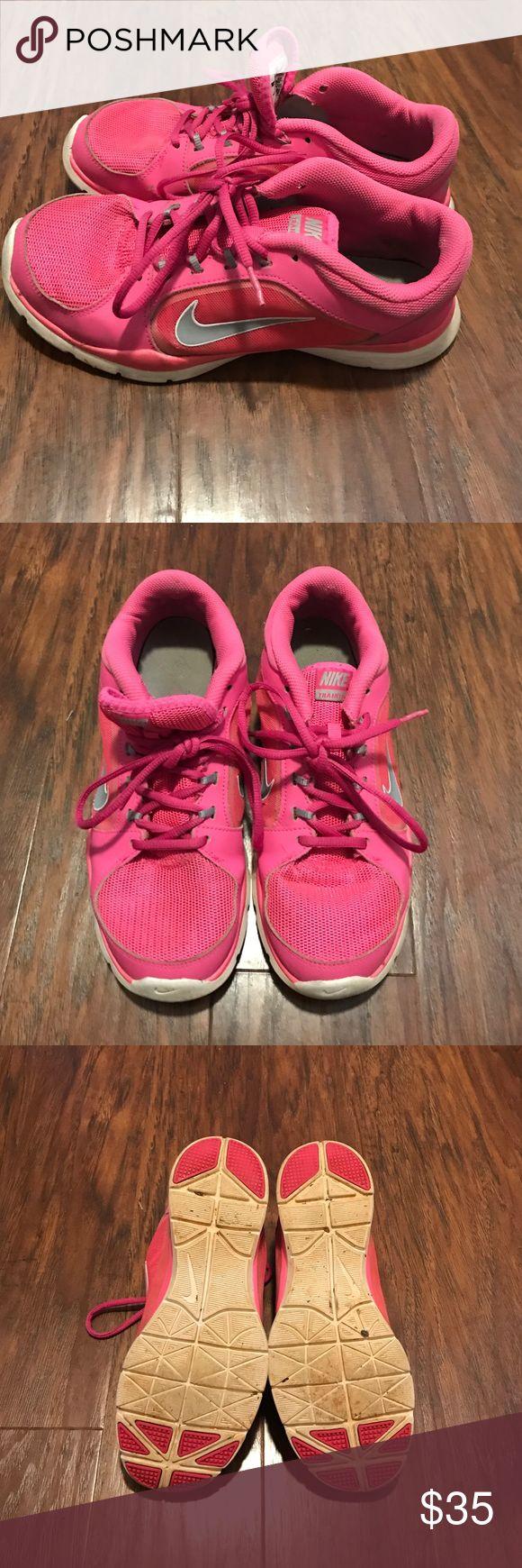 Hot pink Nike Hot pink Nike tennis shoes Nike Shoes