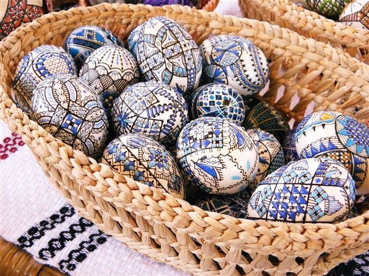 Today starts the National Festival of Easter Eggs from Bukovina. #romania #beautiful #tradition #easter #joy