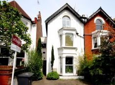 This was the final place we lived in, in London.  Palace Gates Road, N22 just a stones throw and short walk up the hill to Alexandra Palace and the Deer in the Park,  it was my favorite place in London and the best flat/maisonette I ever lived in,  can't believe i found a picture of it online.  We had the lower floor flat and a massive garden!