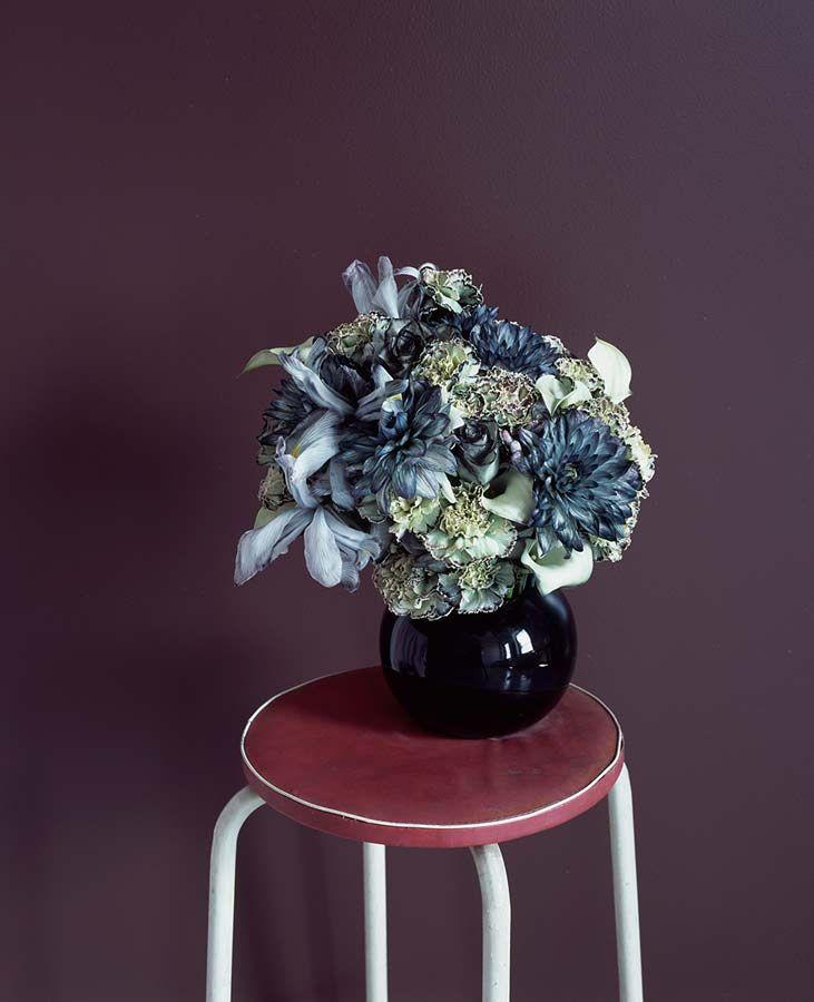 Flower composition by Saara Ekström.