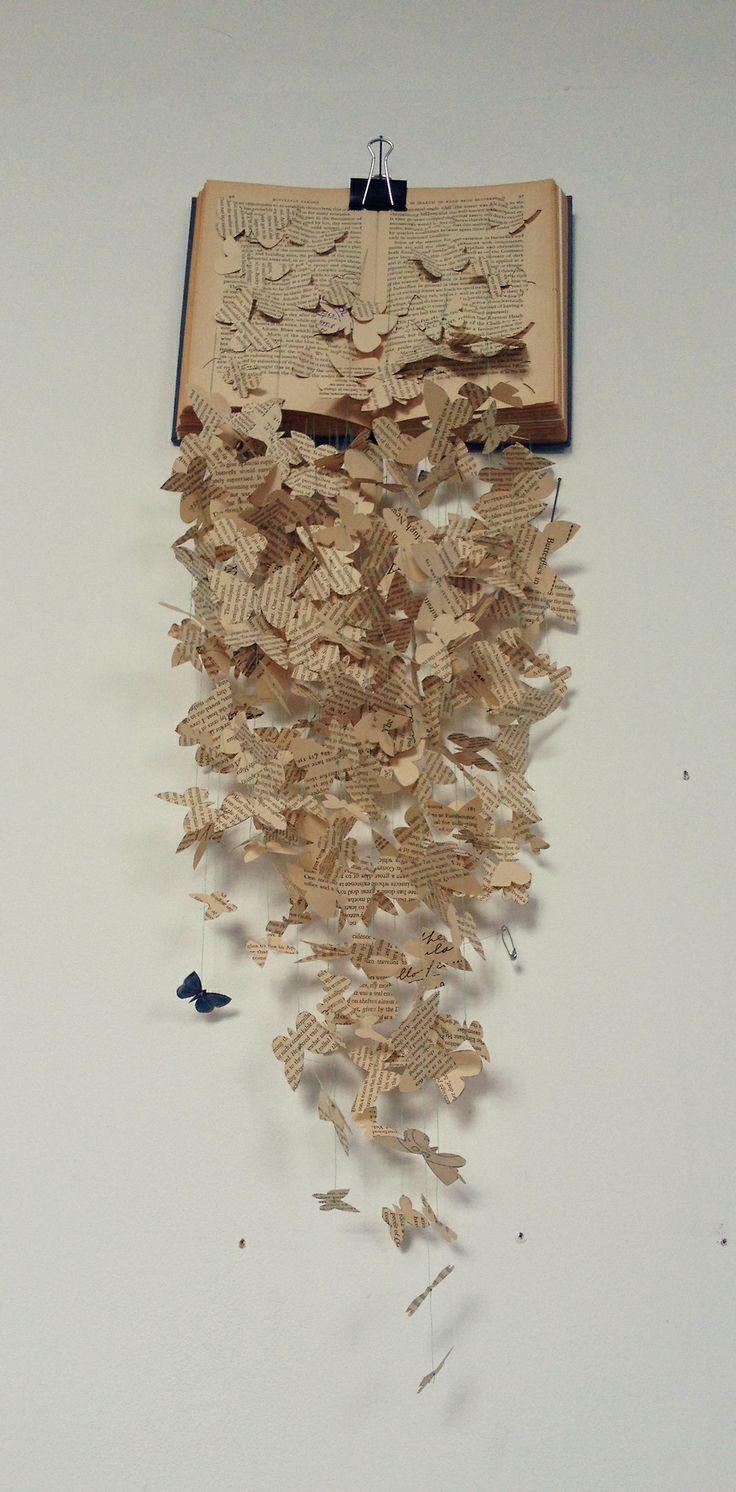 Wenig Helligkeit Sorcha Faulkner Buchkunst Verandertes Buch Papierschnitt Schmetterling Diy Papier Origami Book Art Sculptures Paper Art Design Paper Art Sculpture