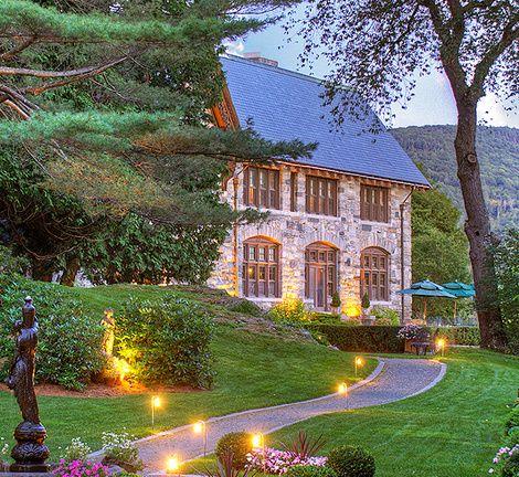 proctorsville vt castle hill resort and spa nestled in. Black Bedroom Furniture Sets. Home Design Ideas