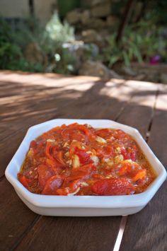Tomates poivron ail cuits au four pour manger froid