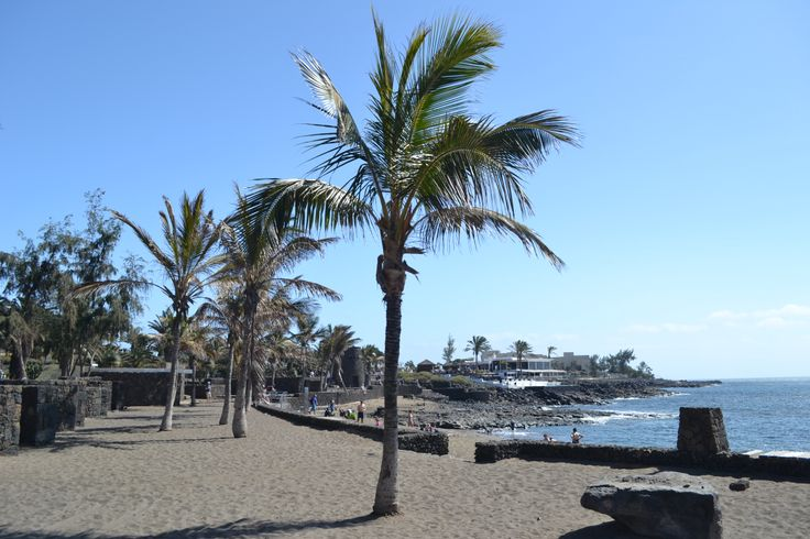 There's 13 hours of sunshine on the forecast for Lanzarote today, it's a bit windier with 20 km/h from the north east and gusts up to 40 km/h. 26 degrees.  Image: Playa Bastian in Costa Teguise Published: 29th April 2014