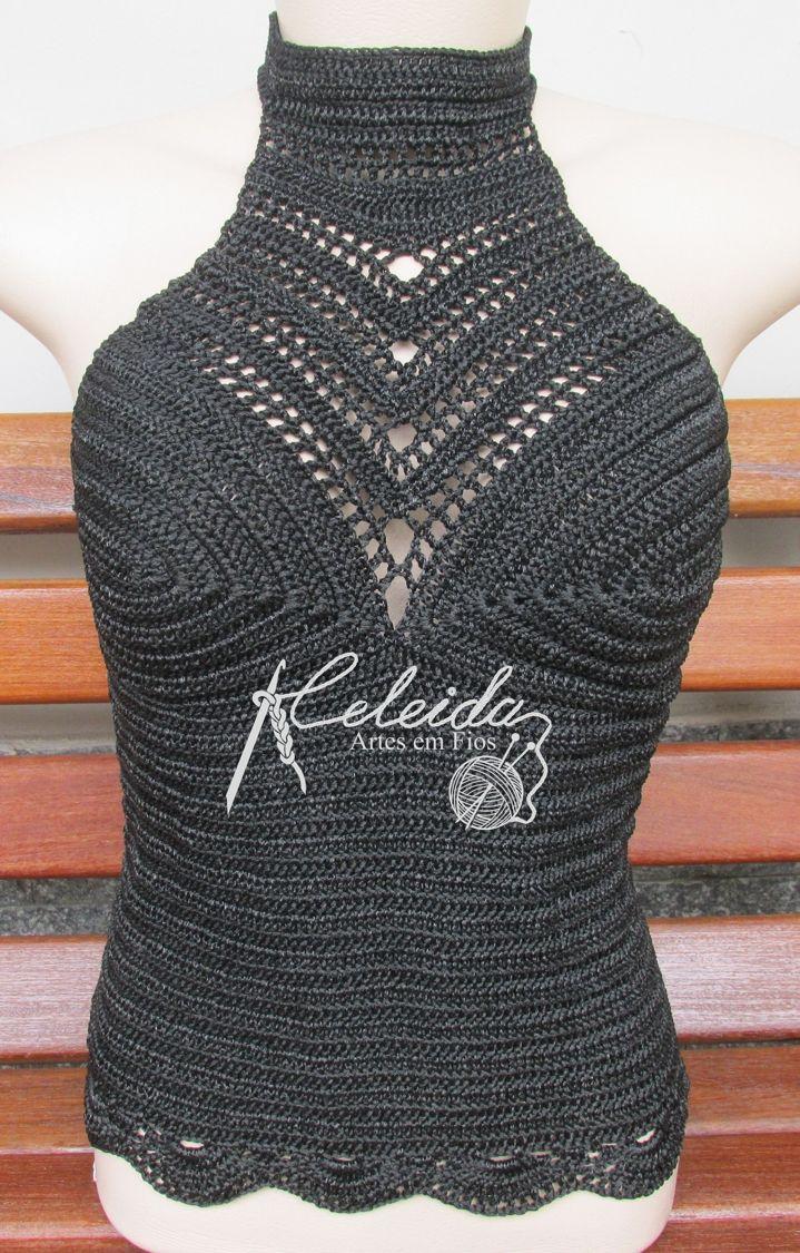Blusa de crochê estilo cropped de gola alta e ponto fechado, para minha cliente Elys usar no outono/inverno!!  Ficou um espetáculo, uma peça...