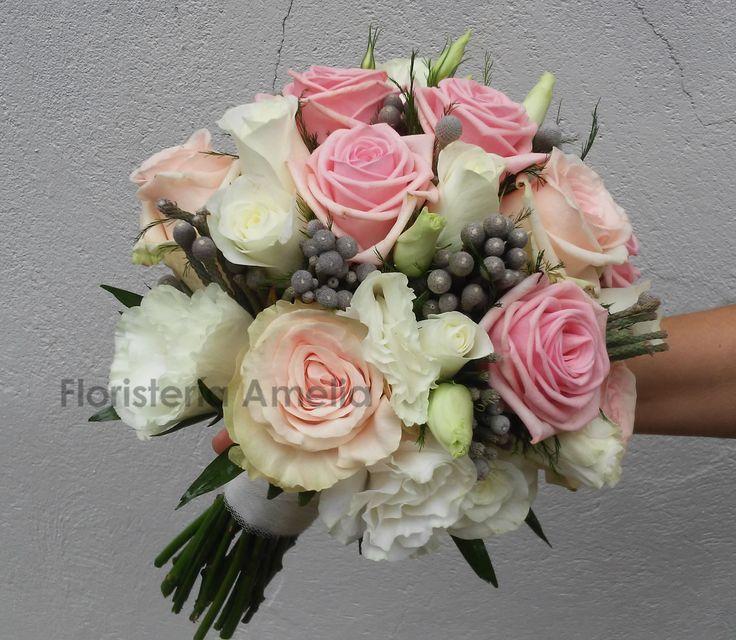 Romántico bouquet de novia con #rosas  #lisianthus y #brunia en tonos pastel. #ramosnovia #boda