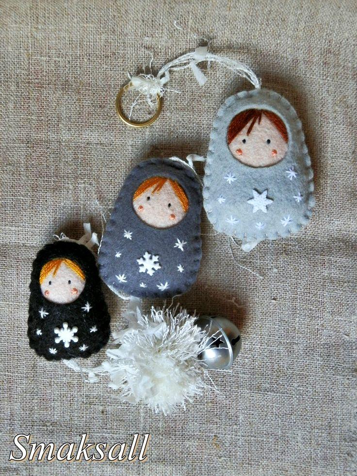 broche poupée russe Noël et guirlande grise 006