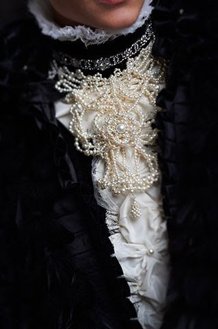 Cravat comprised of pearls. Gorgeous