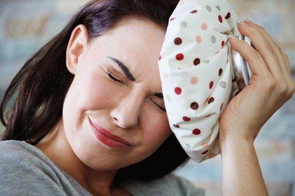 Ученые: Худые люди реже страдают от мигрени http://actualnews.org/exclusive/162109-uchenye-hudye-lyudi-rezhe-stradayut-ot-migreni.html  Люди без лишнего веса реже страдают от мигреней. По словам специалистов из Университета биологических исследований в Аризоне, данная тенденция может быть связана с нарушением работы кровеносных сосудов.