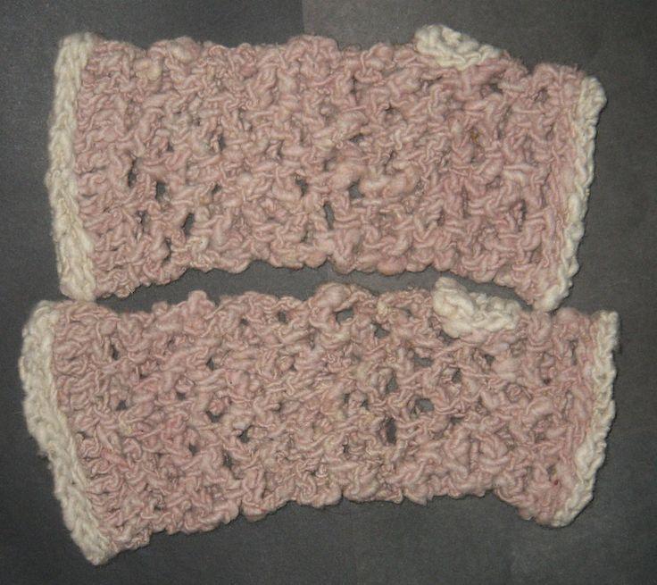 wrist warmers fingerless gloves 100% hand spun merino wool natural solar dye  #iskapie #FingerlessGloves