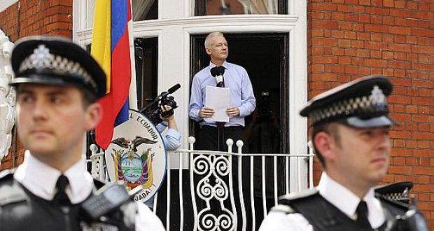 Promotoria sueca pretende interrogar Assange em Londres até julho | Europa