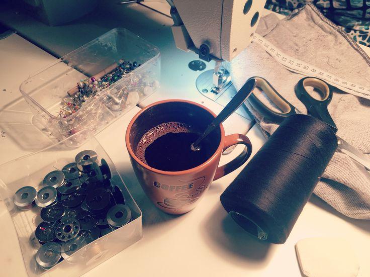 Cine vine la o cafea in atelierul MARGO? ❤️☕️ #coffee #coffeetime #workwithlove  #precious #preciousmoments #perfectday #womaninlove #margo #margoconcept #brasov #cafea #coffeebreak #pauzadecafea #smellcoffee #inlovewithourwork #workinprogress