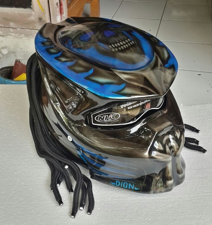 COOL !! PREDATOR HELMETS WITH SKULL AND SURELY DOT APPROVED SIZE AVAILABLE S.M.L #Celloz #Helmet