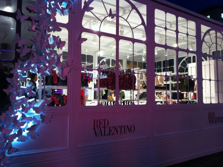 pop up store di red valentino