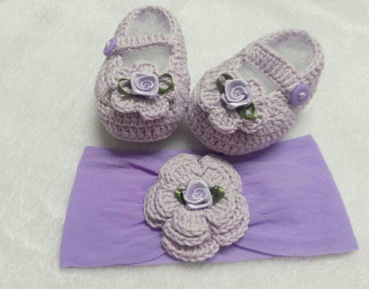 sapatinho de crochê esse modelo foi feito com linha , mas pode ser feito em lã,,, todo produto é feito especialmente para cada pedido assim pode escolher em outras cores de preferencia... nos tamanhos de RN a bebes de 06 meses