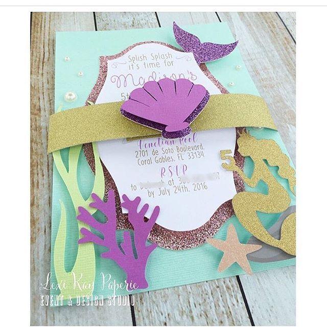 Que lindo convite para festa sereia!! Por @lexi_kay_paperie #fabiolateles #encontrandoideias #blogencontrandoideias Quer ver mais ideias lindas: www.blogencontrandoideias.com