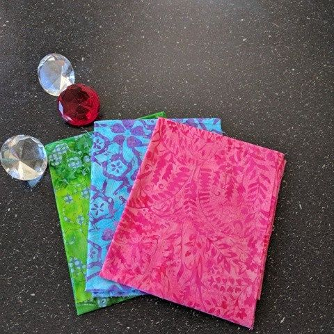 "Fat Quarters x 3 ""Little Gems"" Batik 100% Cotton"