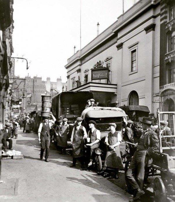 Theatre Royal, Drury Lane. 1920s.