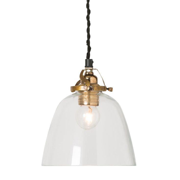 Joy pendel från Watt & Veke. En snygg och stilren lampskärm som är tillverkad i munblåst glas. Lampa...