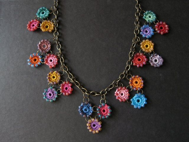 maybe in all one color (via Crochet Necklace Idea | Crochet…..throws | Pinterest)