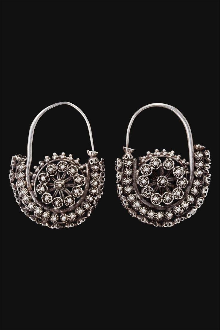 Xinjang, North West China | Silver Uigur earring.  ca. 1st half 20th century.