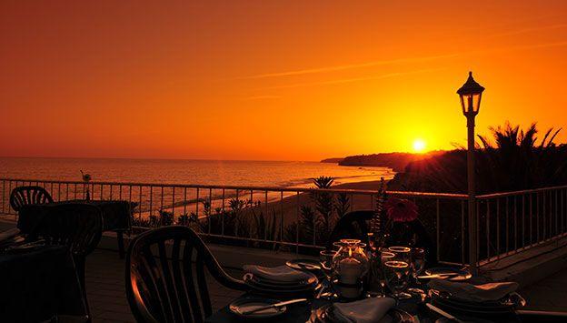 Solnedgang set fra Hotel Holiday Inn i Portugal. Se mere på www.bravotours.dk @Bravo Tours #BravoTours #Travel