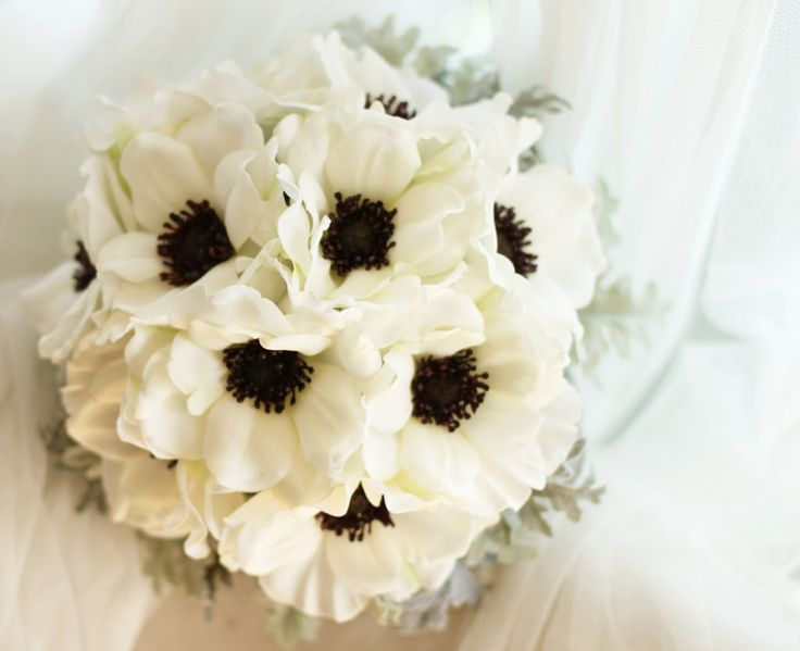Pretty anemone bouquet.