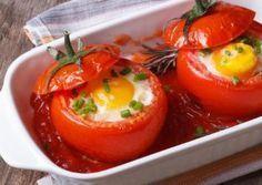 Auch eine vegetarische Variante der gefüllten Tomate schmeckt wunderbar. Mit dem leichten Gericht zum Mittag oder Abendessen kannst Du nichts falsch machen!
