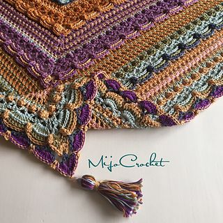 A free pdf with lots of lovely photos of the many crochet stitch patterns.