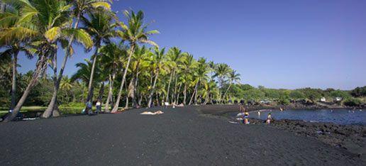 Punaluu Black Sand Beach, Hawai'i