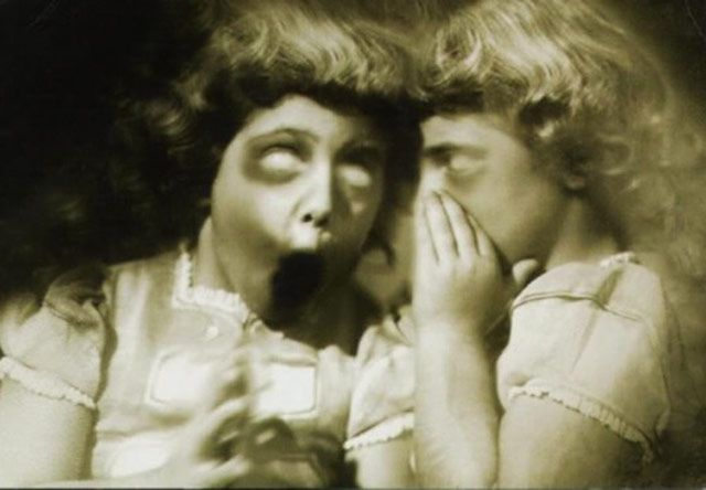 creepy-vintage-photos-scream-girls