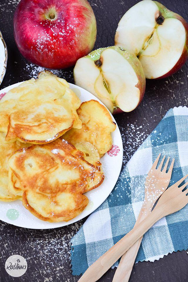 Roślinna : Jogurtowe placuszki z jabłkami