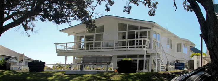 Hananui Lodge, on Russell's waterfront, Bay of Islands