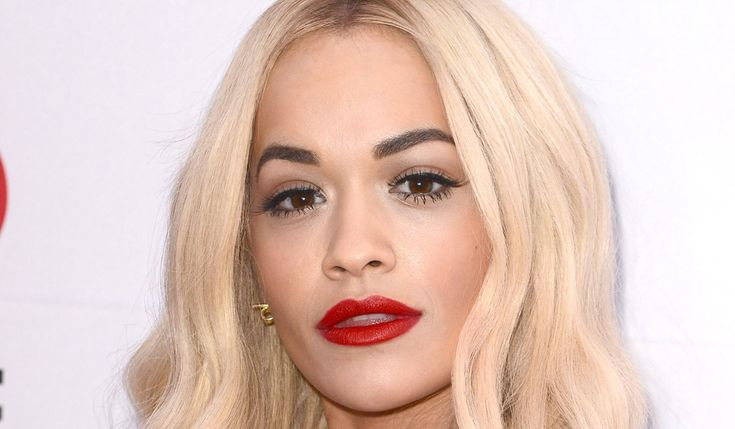 How To Pull Off Blonde Hair With Dark Eyebrows  #Makeup